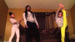 getlinkyoutube.com-Mommy/Daughter Trio Beyonce 7/11