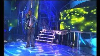 "getlinkyoutube.com-Jim singing ""Uptown girl"" by Westlife - Liveshow 7 - Idols season 1"