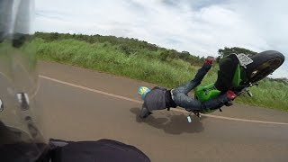 getlinkyoutube.com-Careca BSB - Motociclista caindo com Z750 - Hornet ABS