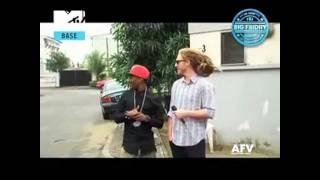 getlinkyoutube.com-Wizkid gets PRANKED...VERY FUNNY