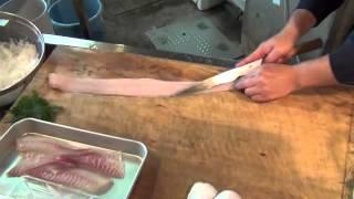 getlinkyoutube.com-タチウオを刺身に調理していきます!  プロフェッショナル編