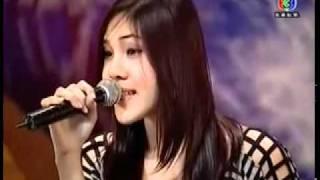 getlinkyoutube.com-cantora surpreende jurados com uma voz jamais ouvida no mundo