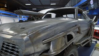 "getlinkyoutube.com-2 Chainz Checks Out a ""Mad Max"" Car from West Coast Customs 