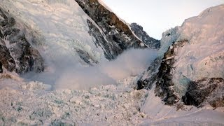 getlinkyoutube.com-The Everest Avalanche, 18 April 2014, an eyewitness film
