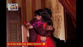 getlinkyoutube.com-Rang Rasiya On Location : Paro Trying To Calm Down Rudra By Comforting Hug