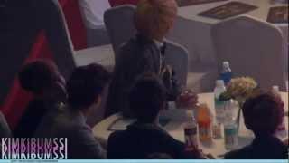 getlinkyoutube.com-[HD fancam] 130131 seoul music awards - SHINee & jimmy jib ^_T table 3 (LeeHi 1,2,3,4)