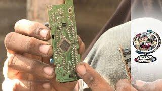 getlinkyoutube.com-The Toxic E-Waste Trade Killing Pakistan's Poorest