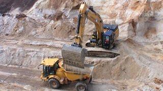 getlinkyoutube.com-Cat 349E Excavator Loading Semi Trucks And Hydrema Dumper