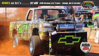 getlinkyoutube.com-6200 National Modified 4x4s Pulling at Raleigh October 16 2016