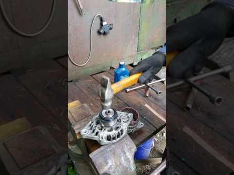Как открутить шкив генератора на Киа Пиканто