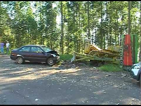 Chapecó - Acidente entre carro e trator