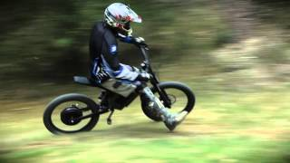 getlinkyoutube.com-Video Review: Stealth H-52 electric bike eats up tight trails