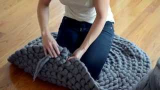 getlinkyoutube.com-How to Crochet a Giant Circular Rug - No-Sew