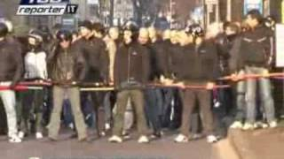 getlinkyoutube.com-Bergamo 28 febbraio 09 - corteo FN scortato da una violenta polizia.