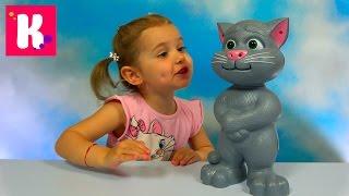 getlinkyoutube.com-Кот Том говорящая интерактивная игрушка из компьютерной игры Tom Cat funny toy unboxing