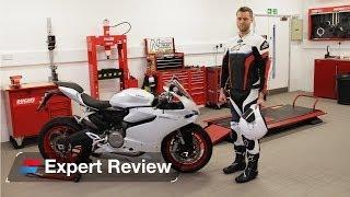 getlinkyoutube.com-2014 Ducati 899 Panigale bike review