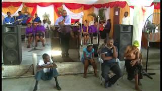 Download video port au prince haiti tiraillement entre for Piscine de bethesda