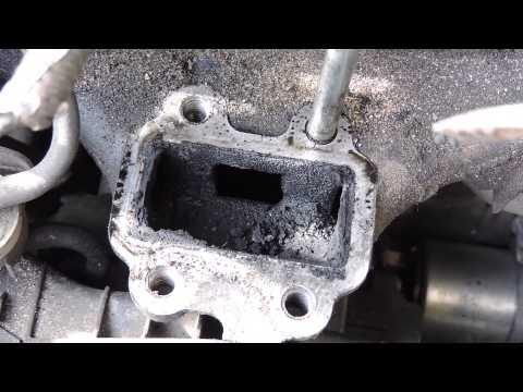 Toyota RAV4 2.2 diesel D-CAT 177 л.с чистим клапан EGR. Toyota 2.2 D cleaning the egr valve