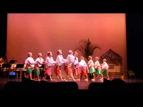 Itik-Itik by the Samahan Dance Troupe
