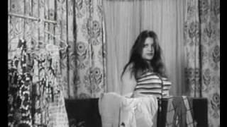 getlinkyoutube.com-صحنه سكسي از شهناز تهراني و همايون در فيلم جاني تپل
