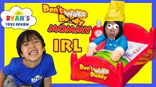 getlinkyoutube.com-DON'T WAKE MOMMY IRL CHALLENGE Family Fun Games for Kids Egg Surprise Warheads Extreme Sour Candy
