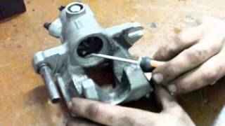 getlinkyoutube.com-Reparar pinza de freno