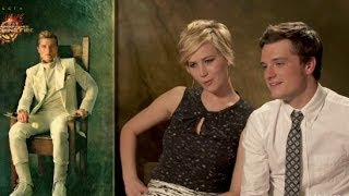 getlinkyoutube.com-'Catching Fire' Cast React to Portraits