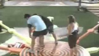 getlinkyoutube.com-bbb 11 Diana leva tombo e sai da prova do liderestrela
