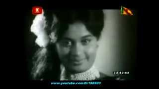 getlinkyoutube.com-'Asha Ronin' - H R Jothipala - Sinhala Movie Song from 'Hathdinnath Tharu' (1973)