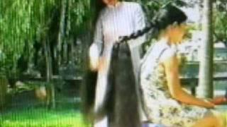 getlinkyoutube.com-Hong braids Hoai's hair