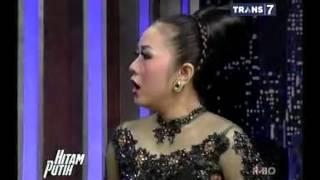 getlinkyoutube.com-Hitam Putih - Soimah [Full Video] 11 Maret 2014