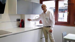 getlinkyoutube.com-video cocinas pequeñas modernas blancas 2015 con encimera de silestone sin tiradores