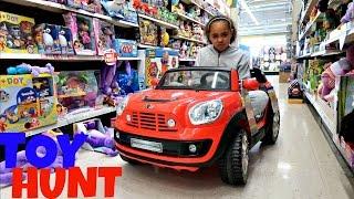 getlinkyoutube.com-Toy Hunt At Toys R Us  Shopkins Season 6 - Razor Flash Rider 360 Scooter   Toys AndMe