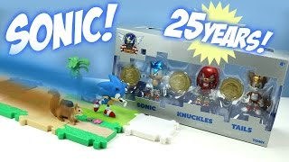 getlinkyoutube.com-Sonic the Hedgehog 25th Anniversary Toys from TOMY and a Race!