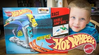getlinkyoutube.com-Hot Wheels Race Double Jump Duel - Hot Wheels Toys - Car Races!