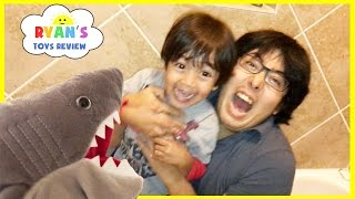 getlinkyoutube.com-PET SHARK ATTACK! Playing Chase and Hiding Family Fun Activities for Kids Toy Shark Pretend Playtime