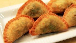 getlinkyoutube.com-Sambusa - Saudi Arabia Recipe - CookingWithAlia - Episode 179