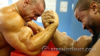 getlinkyoutube.com-Arm Wrestling: Anthoneil vs Tristen