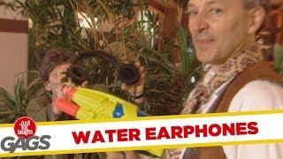 Just for laughs - Tai nghe phun nước