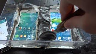 getlinkyoutube.com-Fake Samsung Galaxy S5 vs. Samsung Galaxy S5 Water Test - Will It Survive? (4K)