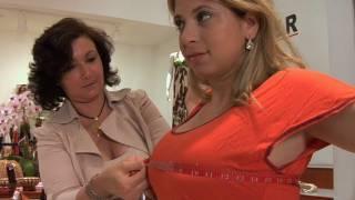 getlinkyoutube.com-How to Deal with Having Big Breasts