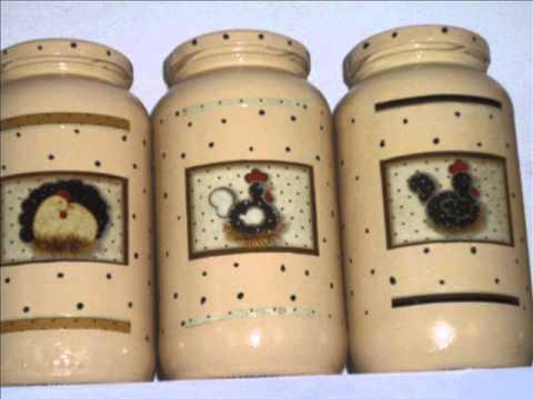 Potes de vidro pintados e com decoupagem em papel. Por Marlene Vaz