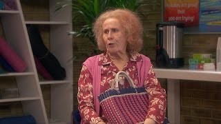 getlinkyoutube.com-Nan annoys the anger management group - Catherine Tate's Nan: Episode 1 Preview - BBC One Christmas
