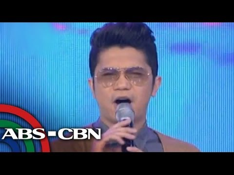 WATCH: Vhong returns to hosting 'Showtime'