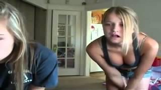 getlinkyoutube.com-Two girls Dancing , 댄싱머신 Dancing skills or just stupid
