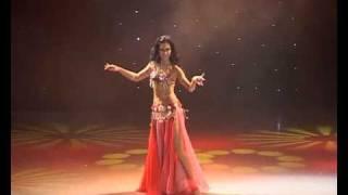 getlinkyoutube.com-Floorwork belly dance by Amira Abdi