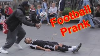 getlinkyoutube.com-PUBLIC FOOTBALL PRANK (ft F2Freestylers)