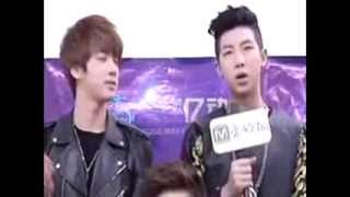 getlinkyoutube.com-It's NamJin thing. #1 Seokjin's gaze