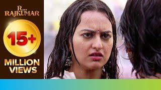 getlinkyoutube.com-Shahid proposes Sonakshi | R...Rajkumar | Movie Scene