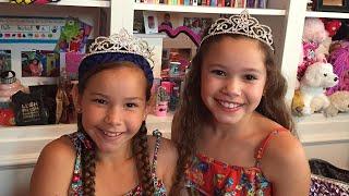 getlinkyoutube.com-Olivia & Sierra's ROOM TOUR!!  (Haschak Sisters)